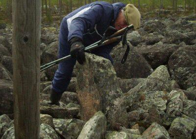 17 g Kari tutkii Jääkolun pyykkiä 240515